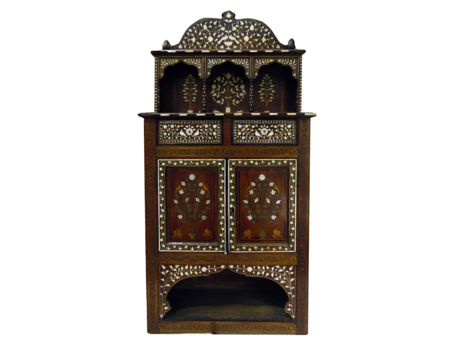 The-Cotswold-Auction-Company-19th century Indian travelling vanity cabinet sold for £1,150