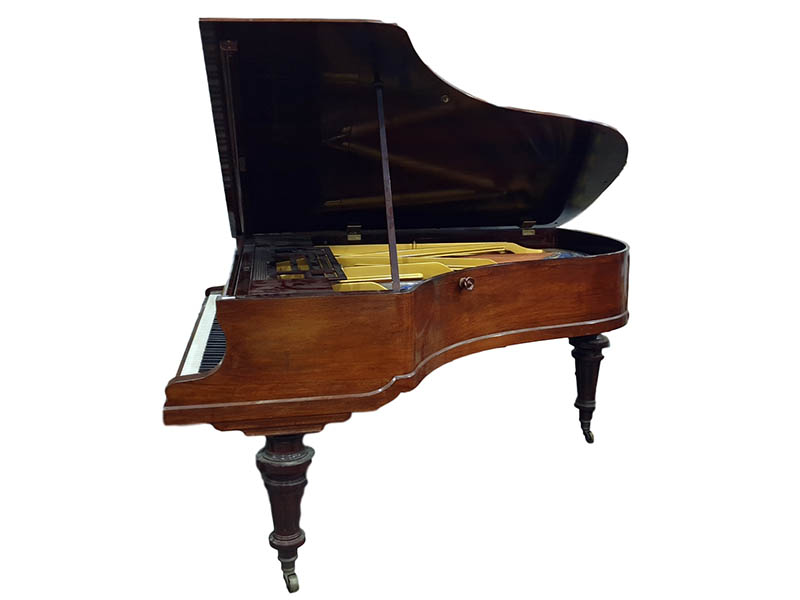 The-Cotswold-Auction-CompanyBluthner of Leipzig rosewood cased ballroom grand piano sold for £1,700