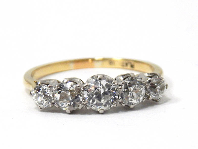 The-Cotswold-Auction-Company-18ct gold and platinum five stone diamond ring sold for £1,000
