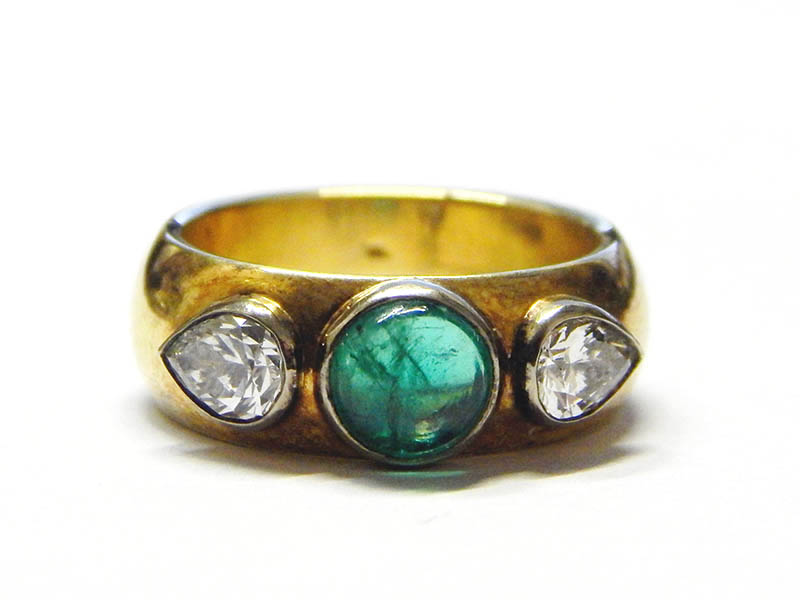 The-Cotswold-Auction-Company-18ct gold, emerald and diamond ring sold for £1,550