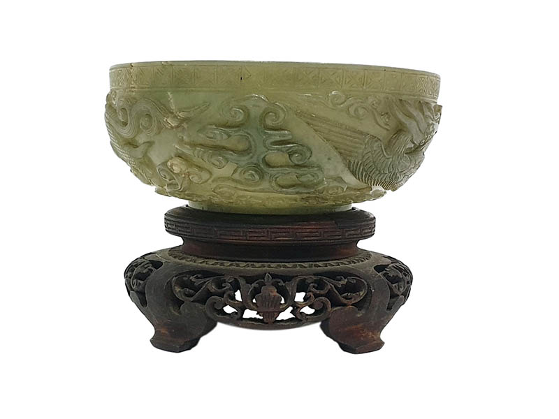 The-Cotswold-Auction-Company-Chinese Carved green jade bowl sold for £30,000